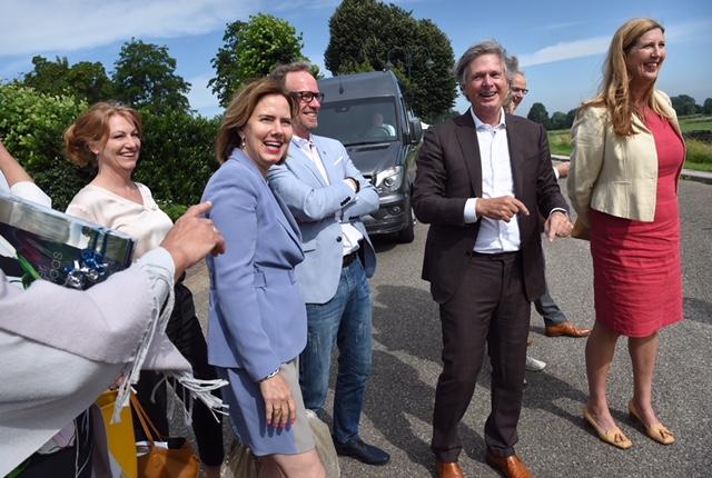 11-6-2018, Nederland, Megen  Minister Nieuwenhuis op bezoek (foto: Marcel van den Bergh)